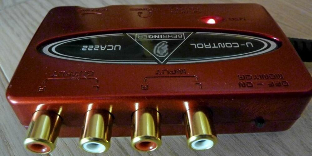 Behringer USB lydkort med optisk utgang har også gode tilkoblingsmuligheter for vanlig phono plugger.