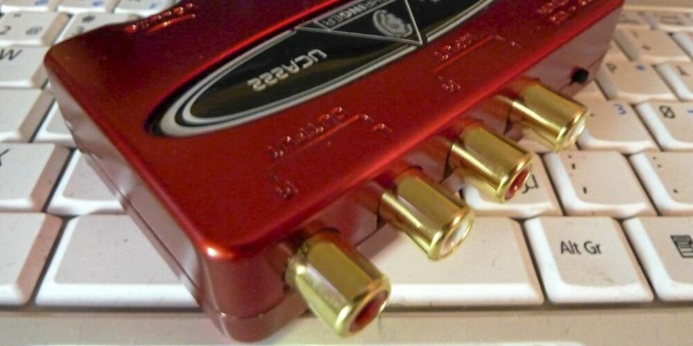 Behringer USB lydkort med optisk utgang.