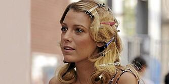 SPENNENDE HÅRTIPS: Kjendisene og deres stylister har mange snedige råd for å unngå bad hair days. Her Blake Lively fra Gossip Girl.