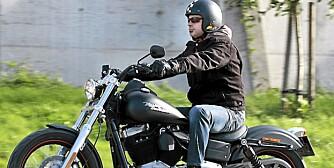 FULL FART: Prepple er en ekte Harley-fyr.