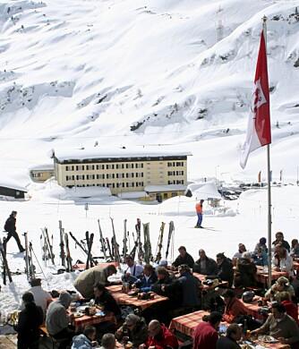 HERLIG: April er en flott måned i St. Anton. Skistedet ligger så høyt at det er masser av snø, selv om det er på slutten av sesongen.