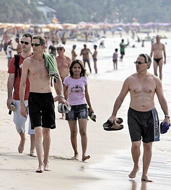 ASIASYDEN: Turistene strømmer til asiatiske land som aldri før. Molstad spår at kineserne snart vil komme etter og invadere land som Kambodsja, Laos, Vietnam og Thailand. Her turister på Patong Beach i Phuket, Thailand.