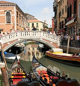FRAFLYTTES: Stadig færre bor fast i Venezia. I stedet overtar feriegjester og turister.