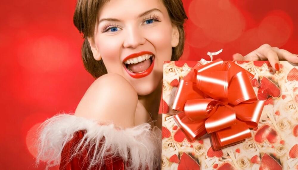 GAVETIPS: Hva skal du gi din kjære til jul? Her er julegavetips for den reiseglade.
