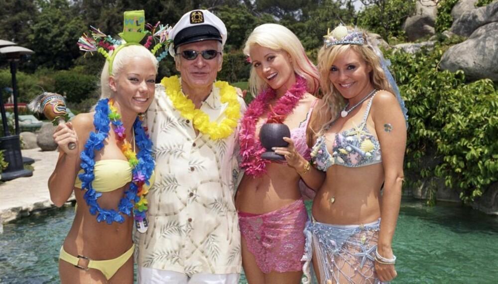 """PARTY: Hugh Hefner har ikke noe imot en liten fest. Vil du være med? Bildet er fra TV3-serien """"Playboyjentene""""."""
