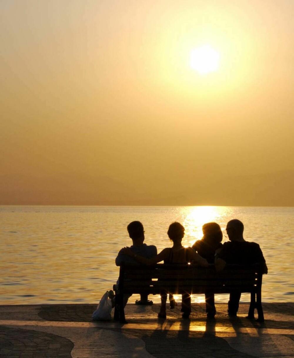 VARMER: Det sies at Gardasjøen fungerer som et gigantisk solpanel.