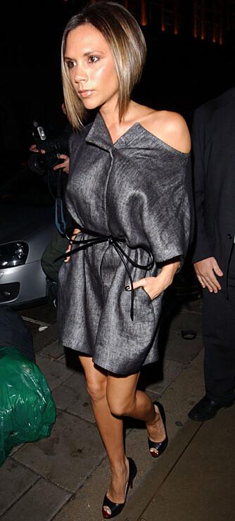 Med et par glass vin glir maten ned for Victoria Beckham. (Foto: WireImage/All Over)