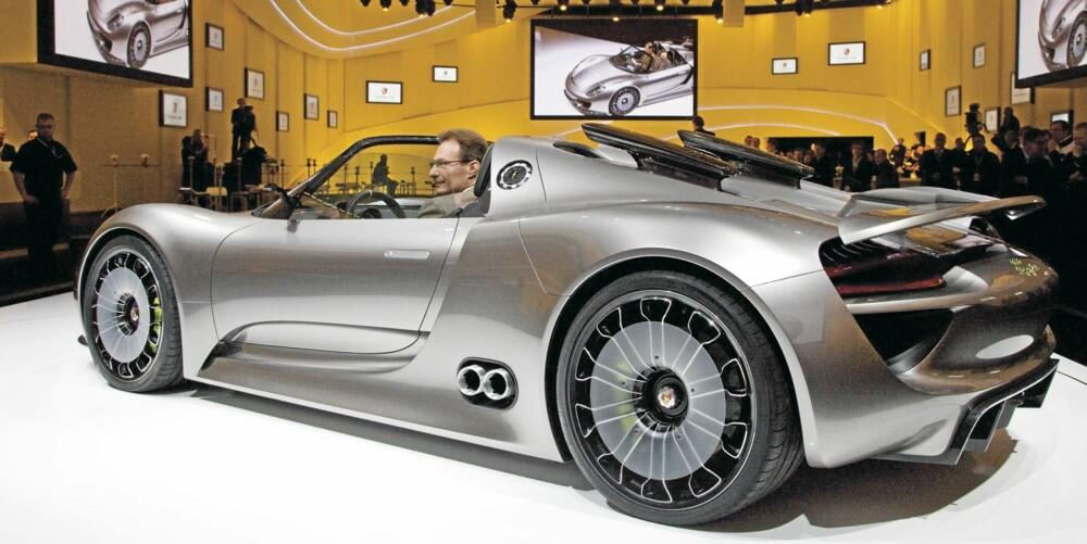 FANTASI? Om Porsche velger å bygge 918 Spyder akkurat som det vi ser her, gjenstår å se. Men vi kan jo håpe...