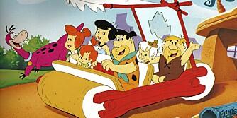 Gamle gode Fred måtte sparke bilen avgårde. Det er nok noe mindre fysisk utfordrende å ro bilen.