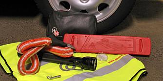 VIKTIG UTSTYR: Man vet aldri hva som kan skje, ta derfor med nødvendig verktøy og utstyr.