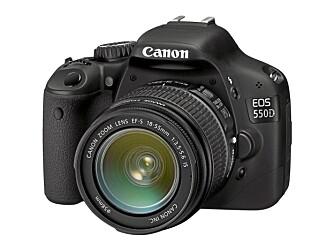 KIT: Standardopbjektivet til 550D er Canon EF-S 18-55 mm F3,5 IS. Et kit med kamera og objektiv får du for 6399 kroner hos www.papyrus.no