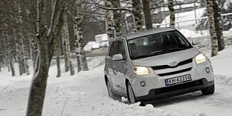 MINI-SUV: Urban Cruiser kan også leveres med 4WD. Det gir deg litt ekstra trygghet på vinteren, men det er fortsatt ingen terrengbil.