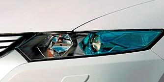 GODT LYS: Xenon hovedlys er standard flere biler.