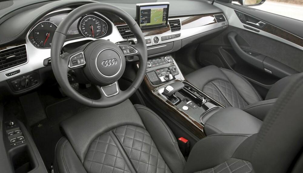 PERFEKT: Ingen bygger interiør med bedre kvalitetsfølelse enn Audi. Men det koster. OBS. Bildet viser en A8.