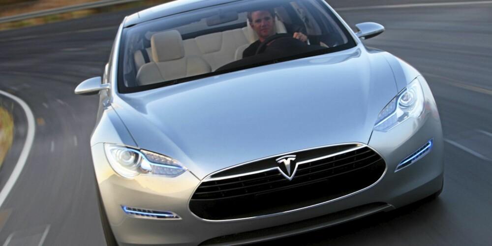 LEKKER: Telsa Model S har en rålekker design som får andre elbiler til å virke designmessig utdaterte.
