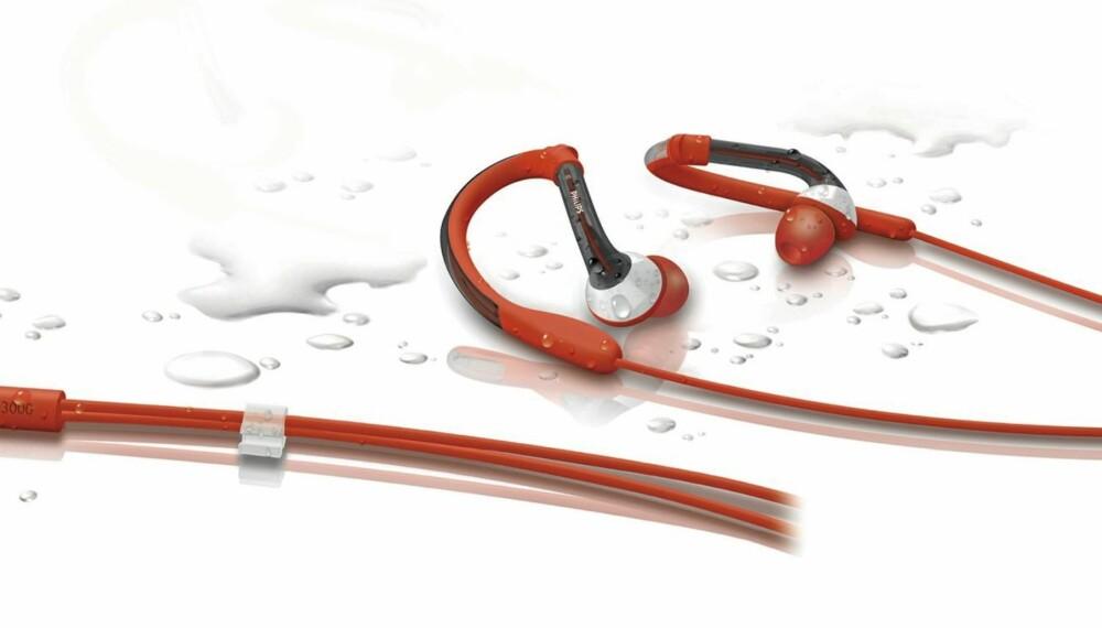 KOMPAKT: Philips tilbyr øretelefoner som komfortabelt serverer deg musikk gjennom regnfulle og svette treningsøkter - og det til en fornuftig pris.