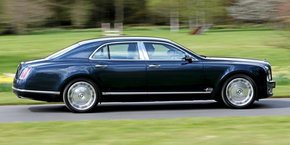 LANGEMANN: Bentley Mulsanne mangler bare et par fingerbredder på å nå 5,6 meter.