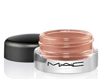 MAC: Paint Pot i nyansen Coral Crepe (kr 160)