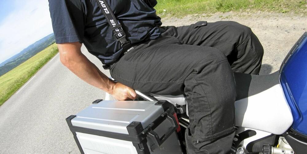NUMMER TO: Mykt sete, med behagelig posisjonering av fothvilere og holdebøyler, gjør at det går lang tid før passasjeren behøver å strekke på bena.