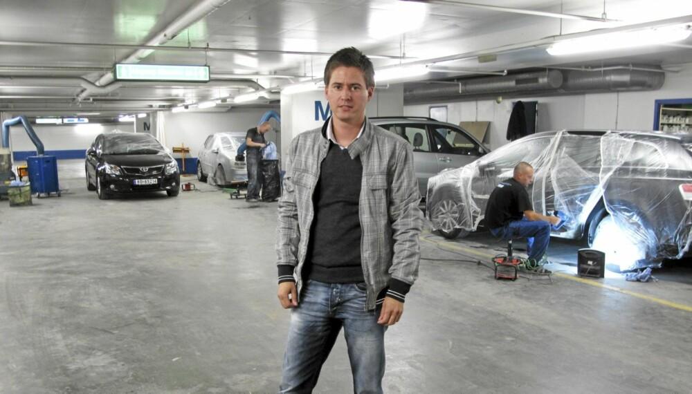 SJOKKERT: Sverre Mørck er sjokkert over prisforskjellen på Møller Ryen og Bilkosmetikk.