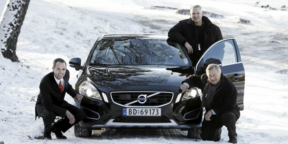 VINNEREN: F.v marketingsdirektør Marius Hayler, marketingsjef Steffen Bang og informasjonsdirektør Tore Løvig i Volvo personbiler Norge A/S.