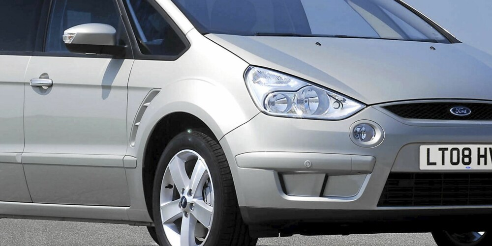 FOR FAMILIEN: Ford S-Max er en glimrende familiebil, men skrudd sammen i Tyskland er den ikke.