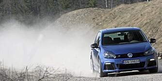 VERSTING: Golf R er den råeste modellen i Golf-programmet. Med 2-liters turbomotor og firehjulsdrfit blir det morsomt - og dyrt.
