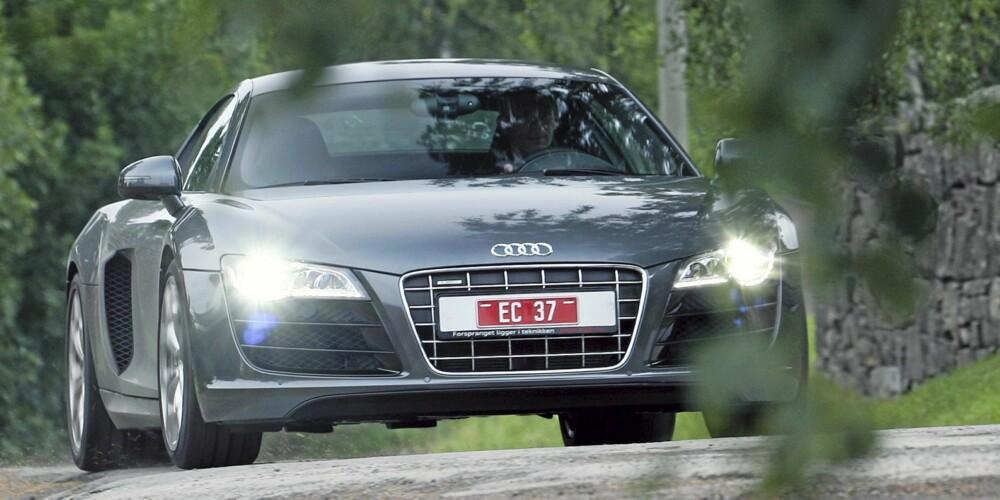 LAV OG BRED: Formene til Audi R8 V10 er skapt i én hensikt: Rask kjøring med best mulig kjøreeganskaper.