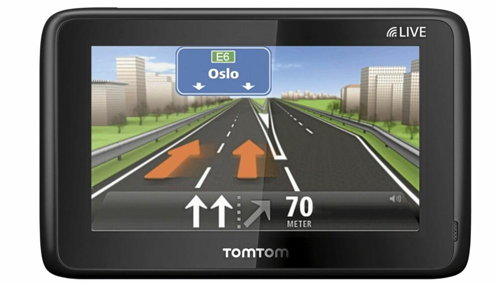 SER KØEN: TomTom Go Live 1000 med HD Traffic får trafikkinformasjon fra andre enheter med systemet HD Traffic, og TomTom kan på den måten si fra om det er kø på din rute.