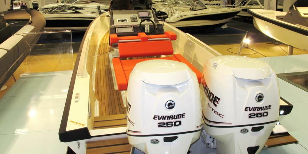To Evinrude E-tec 250 sørger for høy opplevelsesfaktor i Goldfish 28 Tender.