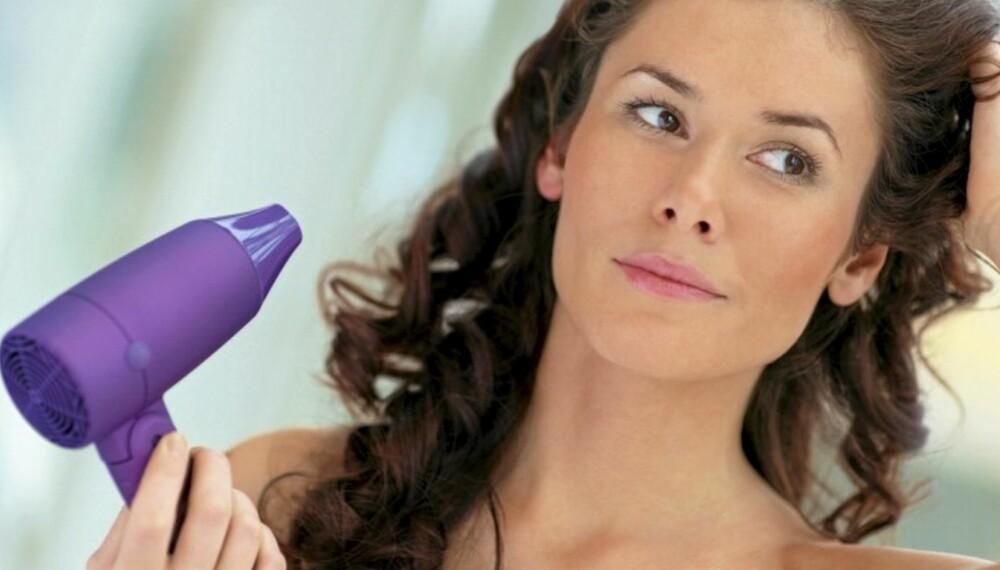 KUNST: En god føn gjør underverker for frisyren og håret ditt.
