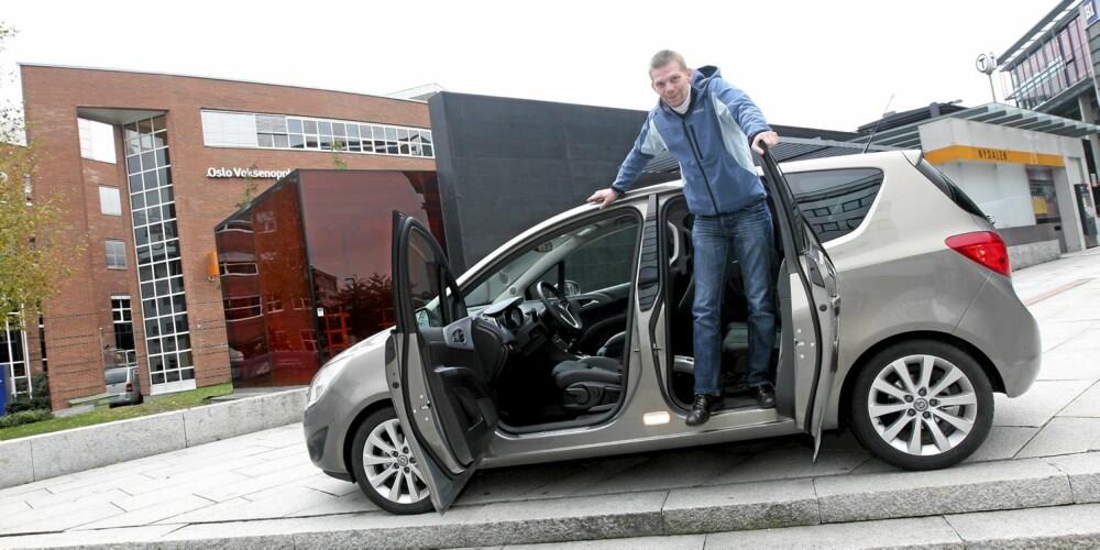 SPESIELLE DØRER: En av fordelene til nye Opel Meriva er de spesielle dørene.