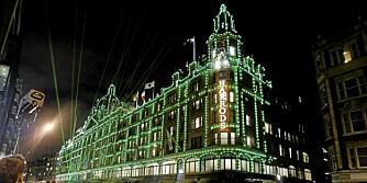 SHOPPING I LONDON: Her er de ti beste varemagasinene i London. Harrods er selvfølgelig på listen.