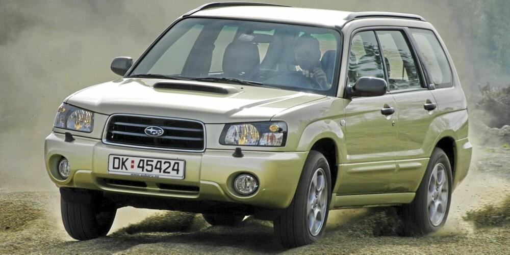 Subaru Forester fra 2002-2007 er en mer kompakt og lettkjørt bil med SUV-egenskaper.