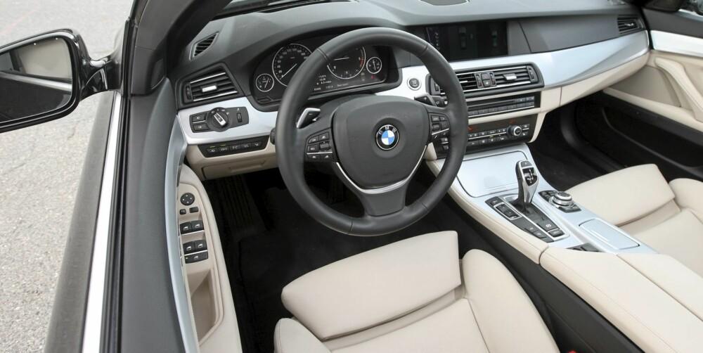 PÅKOSTET: Testbilen har ekstremt mye ekstrautstyr, men uansett er det klart at BMW har tatt interiørjobben på alvor i 5-serie. Finishen er på luksusbilnivå.