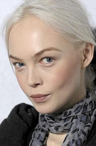 NORDISK HUD: Rosa eller ferskefarget rouge ser mest naturlig ut til nordisk hud.