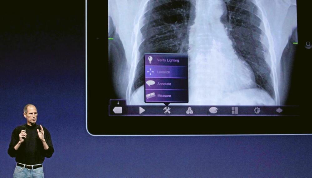 Styreformann og toppsjef Steve Jobs, for tiden på sykefravær, viste frem iPad2 på pressekonferanse i San Francisco
