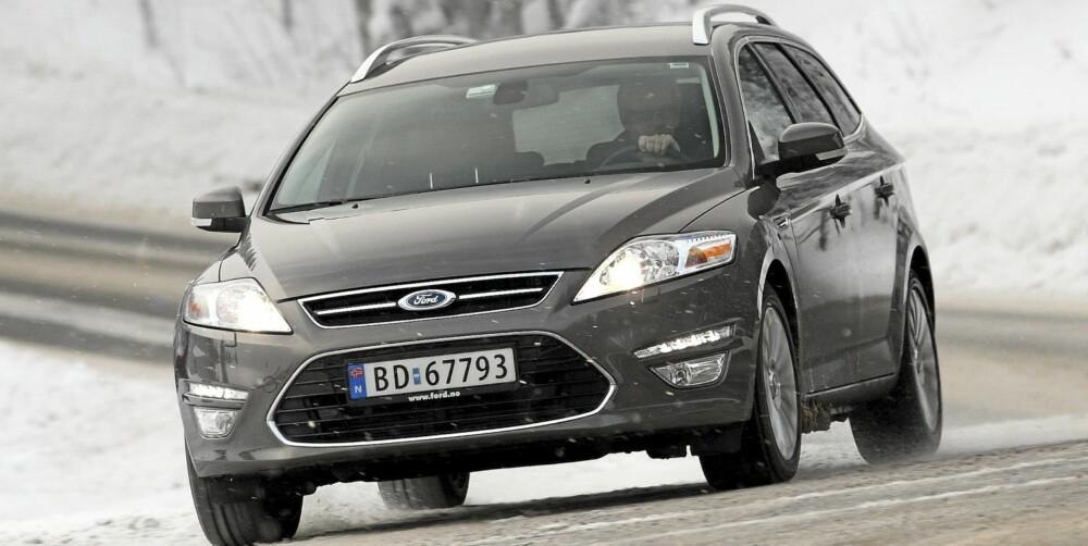 STØDIG: Ford Mondeo har alltid vært blant de mest velkjørende bilene i sin klasse. På veien oppleves den som stabil og inkluderende.