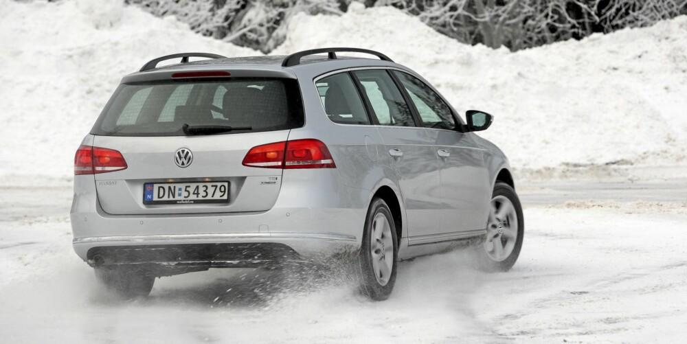 GOD RESPONS: VW Passat kjennes ett trinn livligere på veien enn Mondeo.