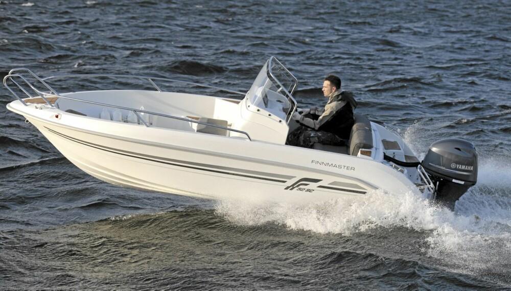 Finnmaster 52 SC 2011-modell er en rimelig, men innholdsrik hytte- og landstedsbåt.