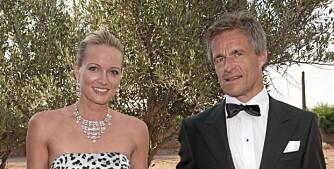 Jan Haudemann Andersen mener tid ikke er til å tøyse med. Her er finansmannen sammen med kjærsten Marte Krogh under bryllupet til Petter Stordalen og Gunhild Melhus i fjor.