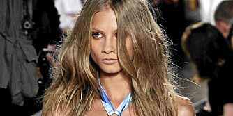 SPEILBLANKT HÅR: Få glansfullt og skinnende hår ved hjelp av disse tipsene.