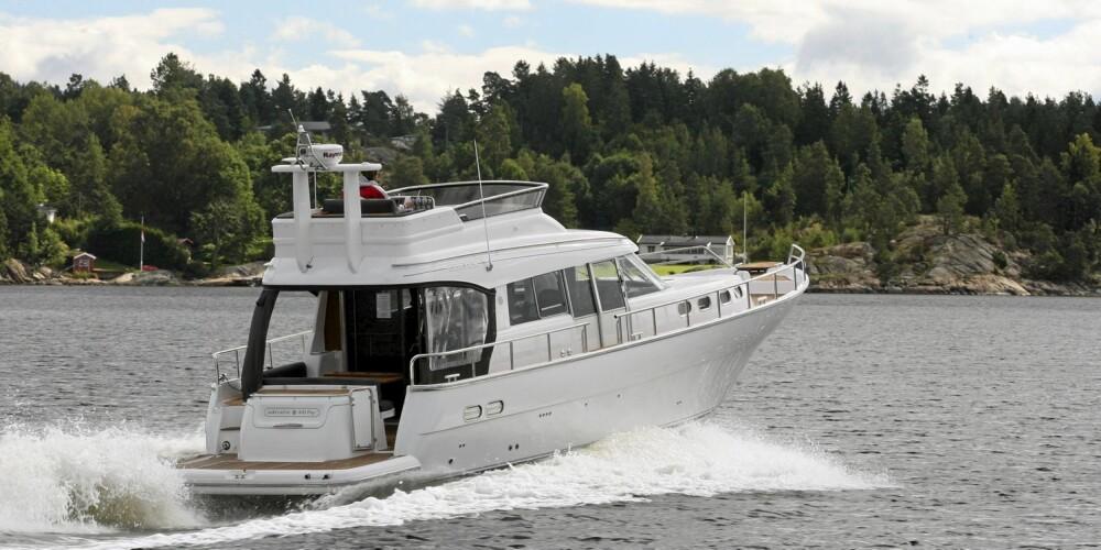 TRYGG: I sjøen virker båten trygg, og har et bredt fartsområde.