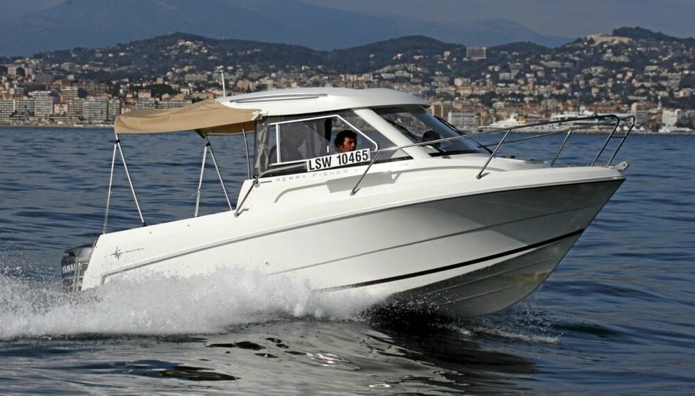 MER KOMFORT: Det litt mer familievennlige forhold i denne sportsfiskebåten.