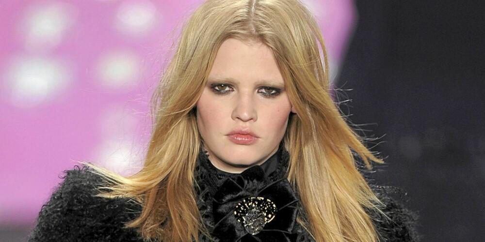 NUMMER 7: Lara Stone er blant de yngre modellene på topplisten.