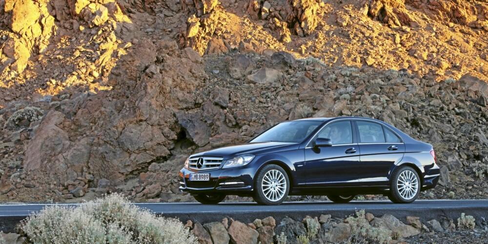 SEDAN: Billigere enn stasjonsvognen, takket være lavere vekt og avgifter. FOTO: Daimler AG
