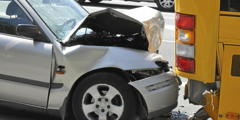 TYPISK MANN: Oftere enn kvinner kjører menn inn i forankjørende kjøretøy. ILLUSTRASJONSFOTO: Colourbox