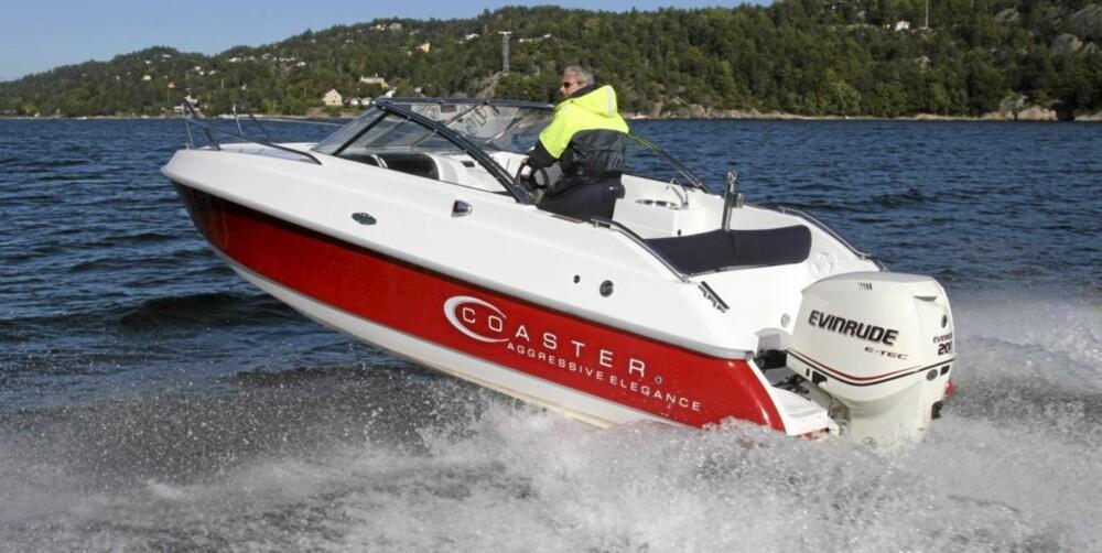 BEDRE PLASS: En daycruiser gir mer beskyttelse for vind, og mer komfortable sitteplasser for de om bord.