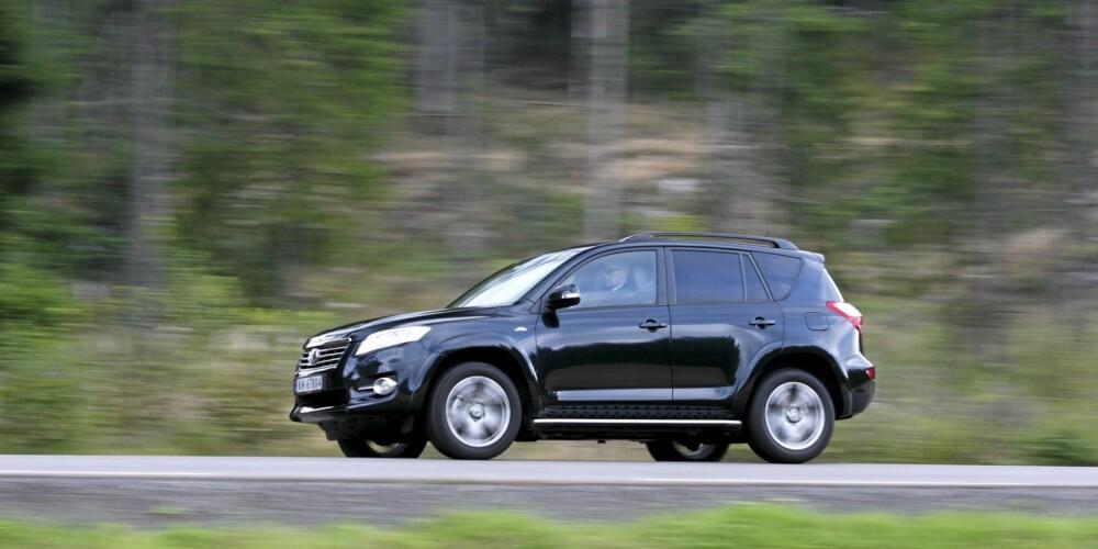 VINNER: Toyota RAV4 er en modell biløkonomene forventer vil holde seg godt i pris. Foto: Egil Nordlien HM Foto