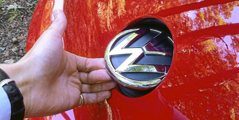 BAGASJEÅPNER: Som ellers på flere VW-modeller er den merkeskilt også på Beetle.